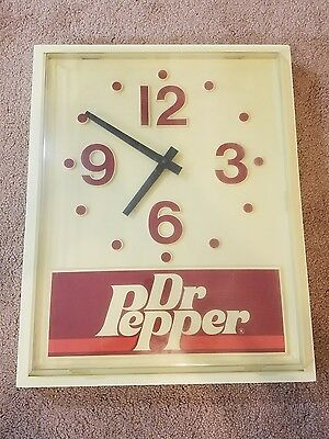 """Dr. Pepper Vintage Clock White Red Battery 14"""" x 17 1/2"""""""