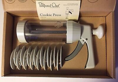 The Pampered Chef Cookie Press Set NIB 15 Discs Model 1525 New In Box