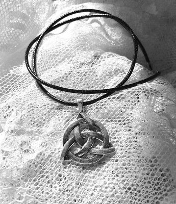 Magick Celtic Trinity Knot Necklace Pendent Paranormal Wiccan Witch Protection