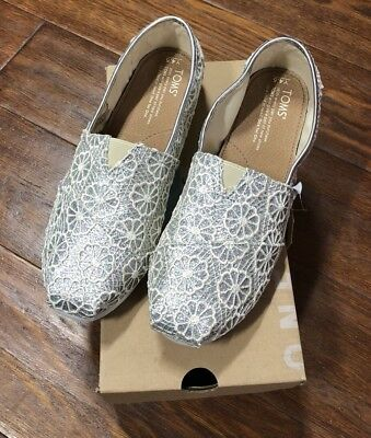 Toms Classic Silver Crochet Glitter Lace Flats Size 45 Youth