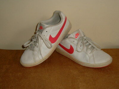 Nike ladies womens  / older girls pink white leather trainers shoes size 6