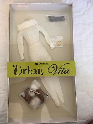 Urban Vita Winter Outfit! A Dorinda Design