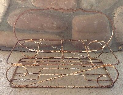 Vtg Metal Caddy Carrier Rack 4 Place HOLDER Wire Metal SHABBY Rust Garden Plants