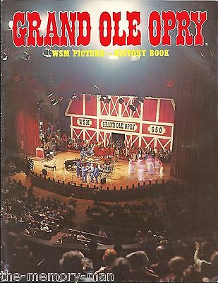 1982 GRAND OLE OPRY WSM Picture History Paperback Color Pictures All The Stars