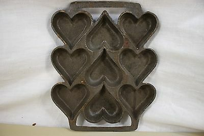 Vintage Cast Iron Heart Shaped Cake Muffin Corn Bread Cookie Pan