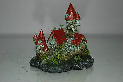 Detailed Aquarium Small Castle and Plant Decoration 12 x 8 x 12 cms