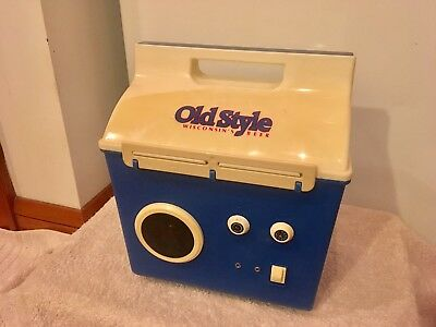 Vintage Old Style MusiCooler beer cooler ice chest 10 1/2 X 7 1/2 radio AM/FM