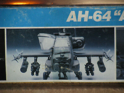 Apache AH-64 Attack Helicopter - 1/32nd scale