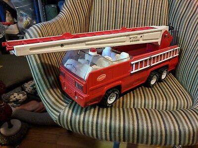 """Vintage Red Tonka Steel Fire Ladder Truck with 37"""" inch Ladder"""