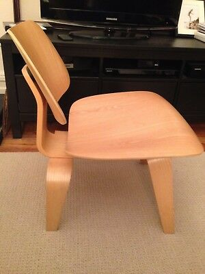 Herman Miller Molded Plywood Lounge Chair (LCW) by Charles and Ray Eames