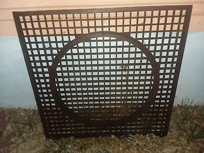 ANTIQUE VINTAGE METAL IRON GRATE W CIRCLE INSERT HEATING 31 x 31 ARCHITECTURAL
