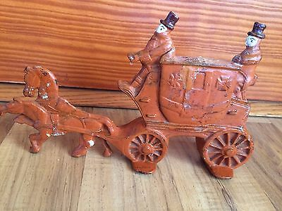 Vintage Cast Iron Horse & Buggy Heavy Shelf Mantel Decoration