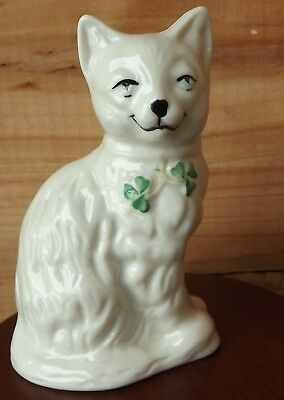 """BELLEEK 2200 QUIZZICAL CAT FIGURINE~ 4"""" TALL WHITE with SHAMROCK COLLAR TAGS"""