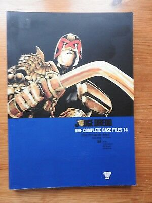 Judge Dredd: The Complete Case Files 14   PB (2009)