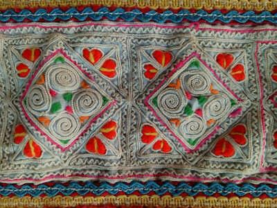 HMONG Antique Handmade Fabric Embroidery Tablecloth Decorate Hippie Vintage R-17