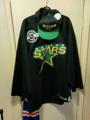 Dallas stars players on ice practice jersey