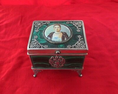 Russian Empress Malachite Enamel Hinged Footed Snuff Trinket Pill Box 84 Silver