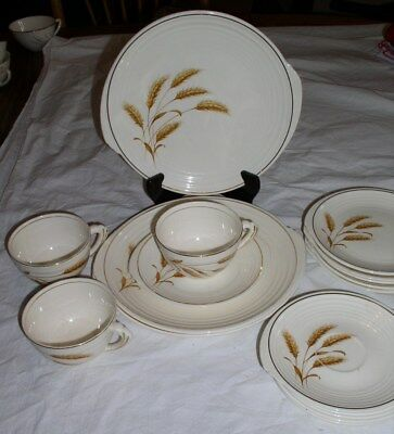 Lot of 17 Edwin Knowles Yorktowne Style GOLDEN WHEAT Pattern Dinnerware Pieces