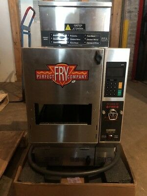 Perfect Fry PFA570 Commercial Ventless Deep Fryer Countertop 240V