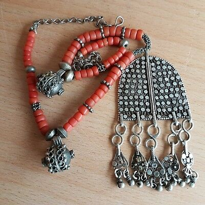 30# Old Rare Antique Yemeni Sliver Necklace with Old Natural Coral Beads