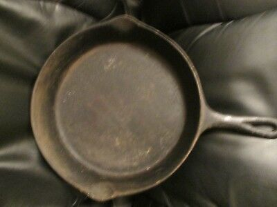 Vintage Cabin Seasoned Black Cast Iron Skillet