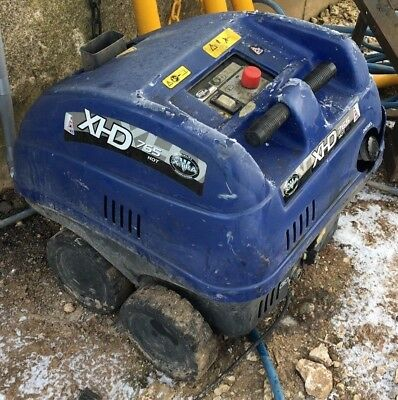 X-Tra / V-Tuf XHD 765 Hot Diesel Pressure Washer - Spares Or Repairs