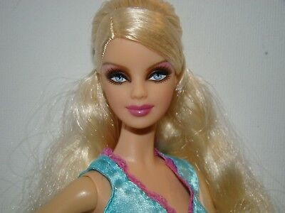 Model Muse Blonde Holiday Barbie doll