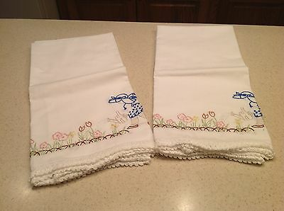 Awesome Vintage Embroidered Sun Bonnet Girl Pillowcases Pair Very Clean & Nice!!