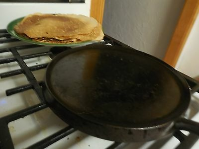 Vintage antique unmarked  #8 Cast Iron Griddle  1900s