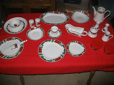 Fairfield / Tienshan Deck the Halls Service for 9 + Serving Pieces for Christmas