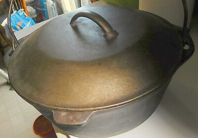 Vintage Cast Iron Dutch Oven #8 DO With self basting lid 10-1/4 USA,pot,cooker