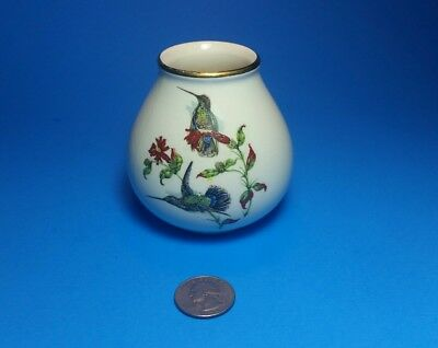 TWO SIDED CROWN DEVON #1456 HUMMINGBIRDS & LOVEBIRDS VASE post 1940s