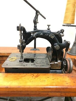 Union Special 1800 A chainstitch antique industrial sewing machine