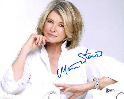 MARTHA STEWART SIGNED AUTOGRAPHED 8x10 PHOTO VERY RARE BECKETT BAS