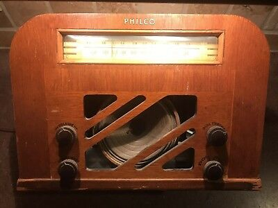 Vintage Philco Tube Radio Model 40-130 As Is For Parts Or Repair