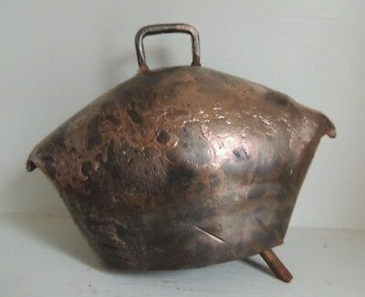 ANTIQUE LIVESTOCK BELL,HAND FORGED & POUNDED Copper PRIMITIVE,