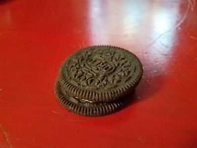 blemish oreo same facing cookie. Just pulled it out of the package tonight.