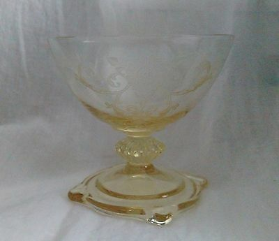 HEISEY #3390 Carcassone Shape Old Colony Etched SAHARA Yellow Sherbet Glass