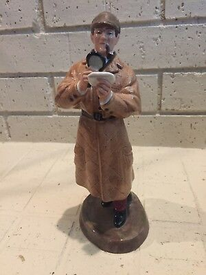 "Royal Doulton ""The Detective"" Character Figurine VINTAGE GOOD CONDITION"