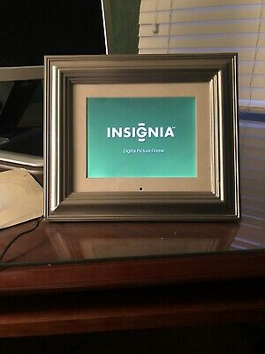 "Insignia 8"" Digital Picture Frame"