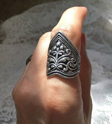 Magick Celtic Ring Psychic Powers of Luck Protection wiccan Witch Spirit Haunted