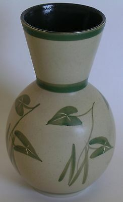 VINTAGE CINQUE PORTS POTTERY MONASTERY RYE VASE - HAND PAINTED GREEN IVY - 21cm
