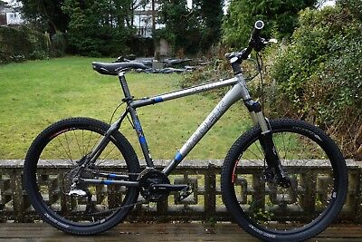 c8d3d843d99 Trek 6500 mountain bike - Large frame with hydraulic disc brakes and lockout