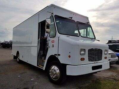 2014 Freightliner MT45 BOX TRUCK STEP