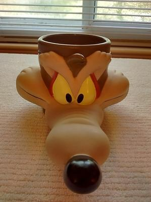Vintage Warner Brothers 1993 Looney Tunes Wiley E. Coyote Coffee Mug 3-D cup