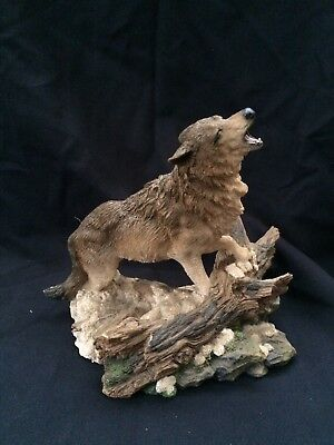 Call of the Wild Wolf statue