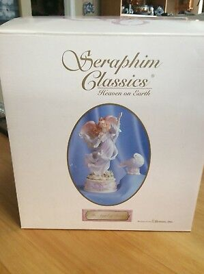 NEW SERAPHIM CLASSICS THE ANGEL OF FAITH 7 Inch ANGEL FIGURINE #84406