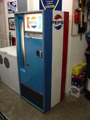 Vintage Vendo V90 Bottle-Vending Pepsi Machine / Excellent / Ice Cold Sodas!