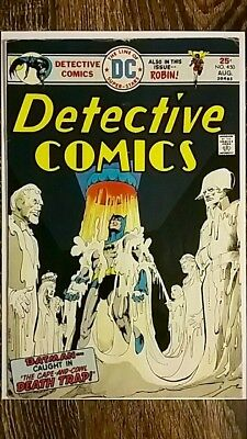 """Detective Comics #450 (1975) """"The Cape and the Cowl Death trap!"""" PRICED TO SELL!"""