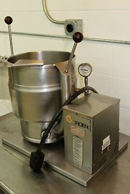Groen Tilting Jacketed 20 Qt Steam Kettle W/ss Table